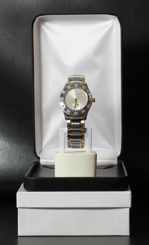Mens Movado Gentry Sport Two Tone Watch Silver Dial Quartz Model